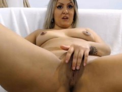 webcamsexy-gorgeous-blonde-playing-with-pussy-want