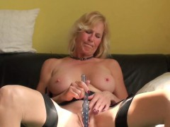 Real fingerfucked submissive toys her pussy