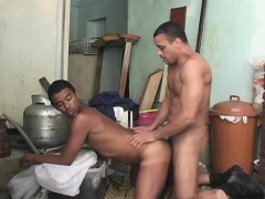 luis-and-gomez-cums-at-each-other