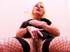 granny-receives-a-facial-at-the-gloryhole