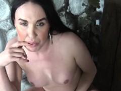 Amateur Transsexual Dildofucks Her Tight Butt