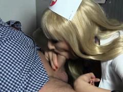 Blonde Krankenschwester Heilt Samenstau Mit Ihrem Blasmaul