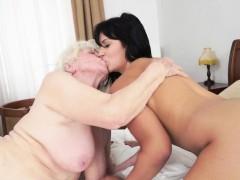 bigtit-mature-pussylicking-eurobabe