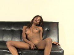 solo-black-tranny-playing-with-her-bbc