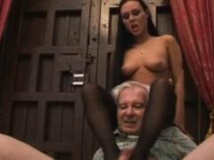 Valentina Velasquez Gives Sensual Footjob To Grandpa