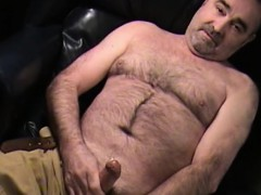 mature-amateur-jim-jerks-off