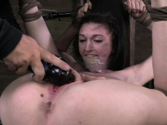 southern-belle-alana-gets-submitted
