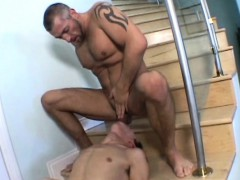 muscled-papa-having-oral-fun-with-a-skinny-twink