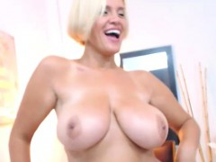 Watch As That Sensual Milf Having Fun By Herself