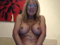 Attractive Busty Cammodel Wants To Taste Your Cum