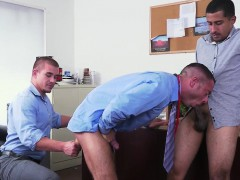 Office Hunk In Suit And Tie Gets Buttfucked