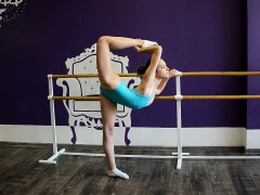 fiatal-girl-ballerina