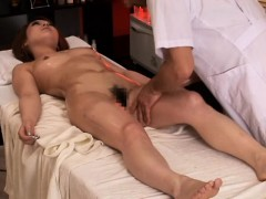 pregnant-asian-getting-her-hairy-box-fingered