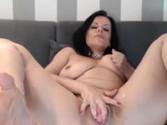 perfect milf whore masturbating like crazy xxx.harem.pt