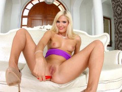 all-internal-presents-candee-licious-creampie-scene