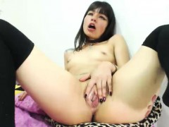 amateur-asian-angel-plays-with-her-toys