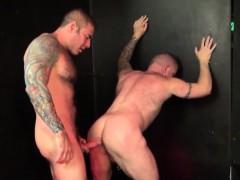 Amateur Bear Has Butt Sex