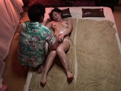 subtitled-japanese-massage-clinic-busty-woman-oil-treatment