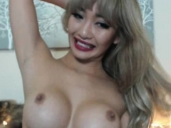 see-how-this-asian-babe-with-big-boobs