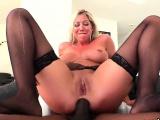 Pornstar hottie gets her anal poked with big cock81FKW