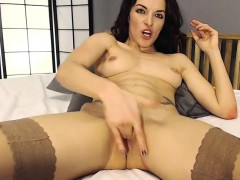 webcam-chubby-milf-fingering-live-on-the-internet