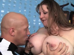 Plumper Gets Her Tits Sucked On Before Fucking