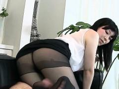 hot-pornstar-footjob-with-cumshot