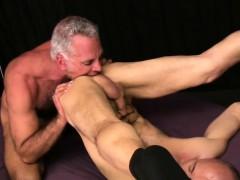 horny-gay-jock-gets-rim