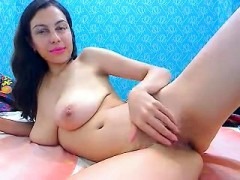 babe-eyescrystal-flashing-boobs-on-live-webcam