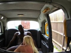 taxi-babe-fingerfucked-before-sucking-bbc