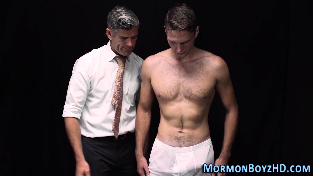 Gay Elder Cums Tugging