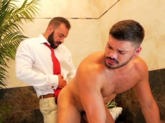 Muscle Gay Fetish With Cumshot