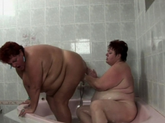 old-fat-babe-and-her-girl-in-bathtub