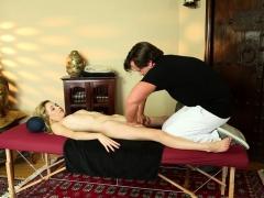 petite massage amateur plowed by masseur