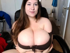 amateur alyssaryder flashing boobs on live webcam
