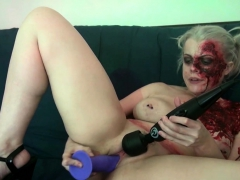 sexy-zombie-pleases-the-gash-between-her-legs