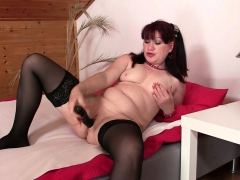 wife-finds-her-older-mom-and-hubby-fucking
