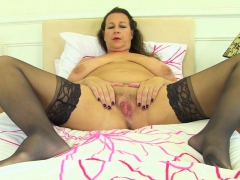 Uk cabbie pussylicked by black english les - 3 part 10