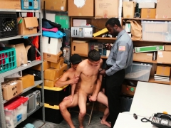 youngperps-hot-threesome-with-guards