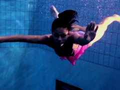 Zlata Oduvanchik Swims In A Pink Top And Undresses