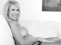 erica-lauren-solo-glass-toy-black-and-white