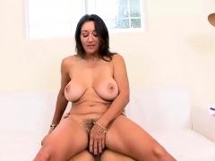 mature-slut-gets-her-hairy-cunt-boned