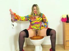 English Milf Tammy Fucks A Dildo On The Toilet