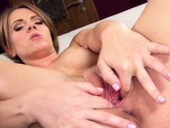 Hot Czech Teenie Spreads Her Narrow Pussy To The Peculiar62x
