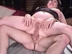 granny-asshole-sit-on-penis