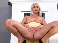 Frisky Czech Girl Gapes Her Narrow Pussy To The Extreme38uvo