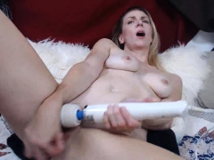 Milf Wants Your Dick Deep Inside Her Pussy
