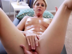 stepson-slipped-fingers-into-stepmoms-mature-wet-pussy