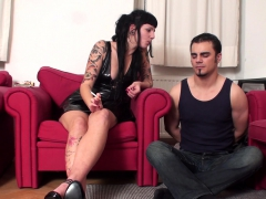 femdom-ladies-dominate-slaves