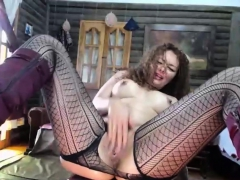 milf-rubbing-her-cunt-until-she-squirts-hard